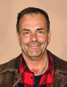 Lars G Hammer
